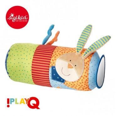 Aktywizująca poduszka wałek z lusterkiem, grzechotką i szeleszczącą folią 9m+ PlayQ SIGIKID