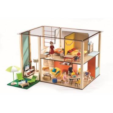 Drewniany domek dla lalek...