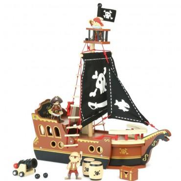 Drewniany statek piracki...