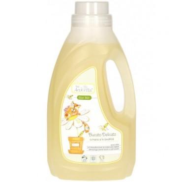 Płyn do prania ubranek dziecięcych i niemowlęcych - delikatnych tkanin do prania ręcznego i w pralce