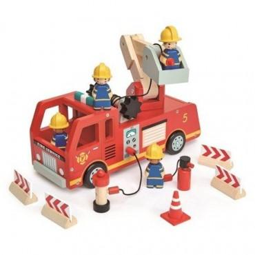 Drewniany wóz strażacki...